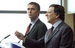 Jens Stoltenberg og José Manuel Barroso ræddu við blaðamenn i dag.