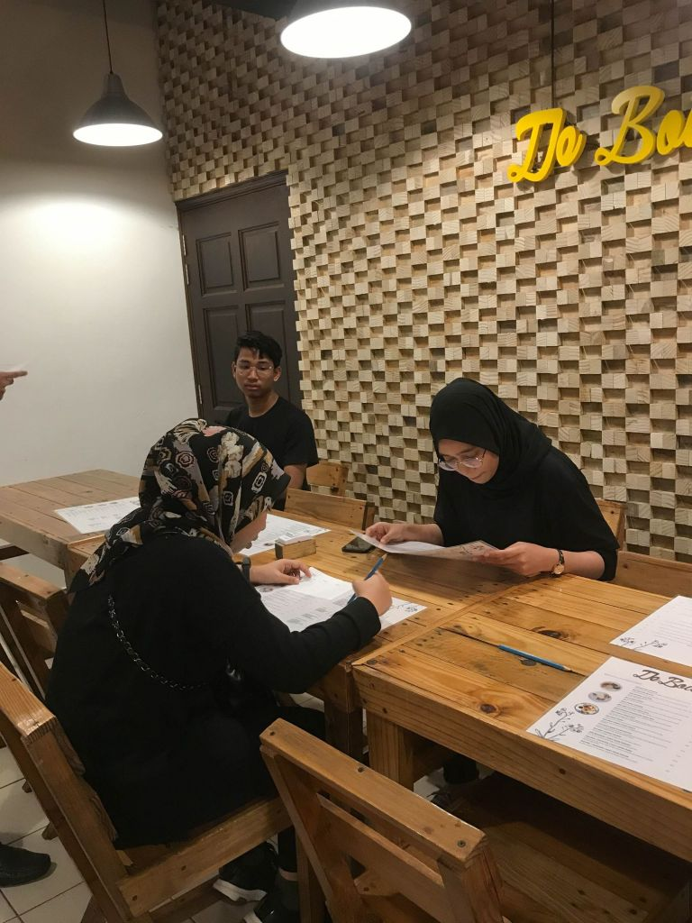 Three of M Makan Kaki's look at the De Bois menu