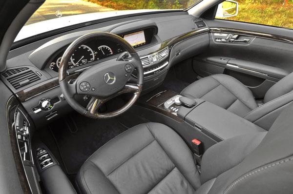 12S350_BlueTEC_interior.jpg