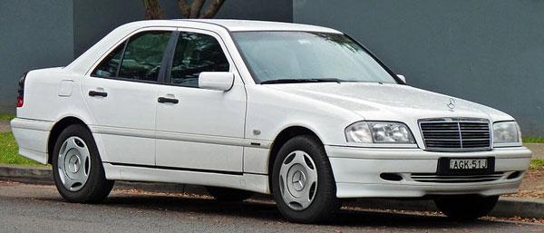 1997-2000_Mercedes-Benz_C.jpg