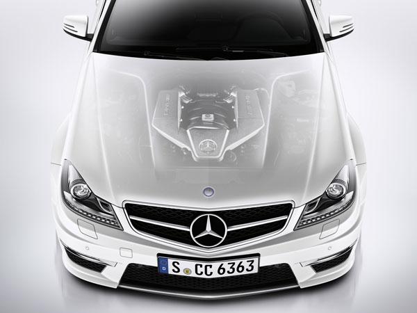 2012_C63_AMG_Coupe_15.jpg