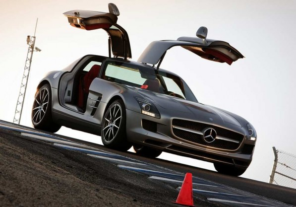 2 sls amg 211 597x417 Five Mercedes Benz cars emerge victorious in AutoScout24 survey