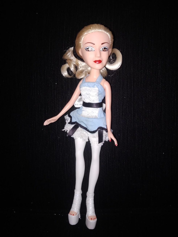 Gwen Stefanil tik tok Alice doll produced by Huckleberry Toys