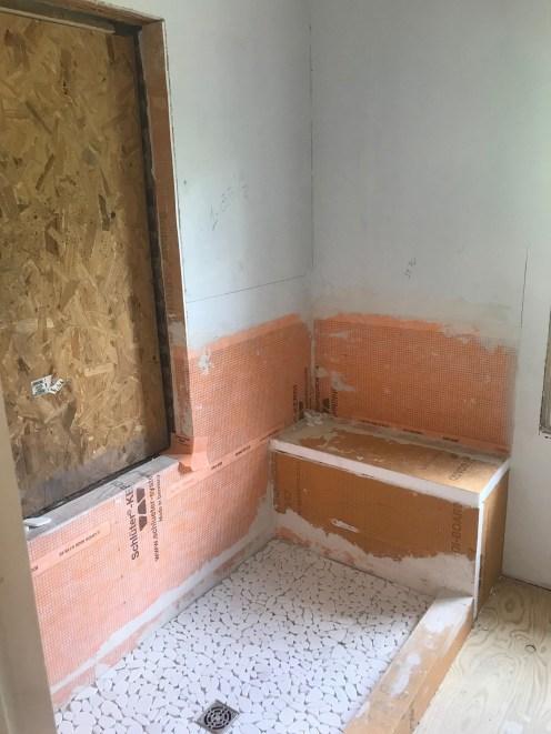Sequoyah Bathroom Design Incorporates Risks That Worked