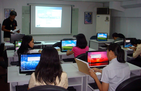 Team Leader and Head Trainor Emil Basco conducts the first day training.