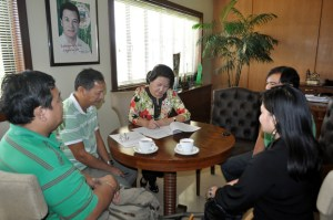 Contract Signing with Mayor Lorna Silverio