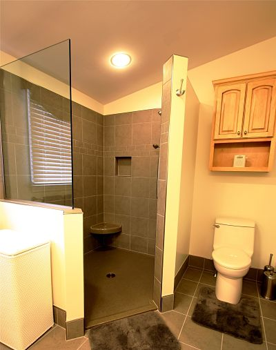 https www mcclurgteam com blog bid 81557 six facts to know about walk in showers without doors