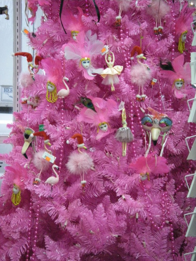 New Orleans style: pink feather Christmas tree