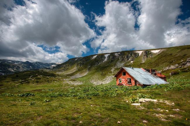 gorgeous rustic red cabin from a Bulgaria road trip