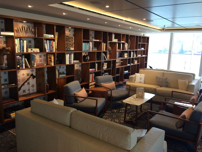 Viking Cruises : Viking Star : Explorer's Lounge and library