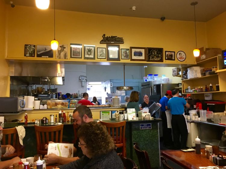 South Bay CA restaurants: Eat at Rudy's in Old Torrance