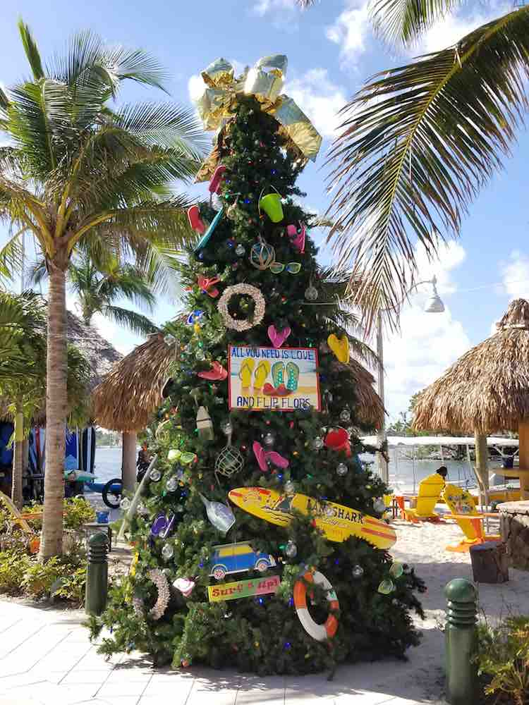 Fun Tropical Christmas Decorations to Inspire a Florida ...