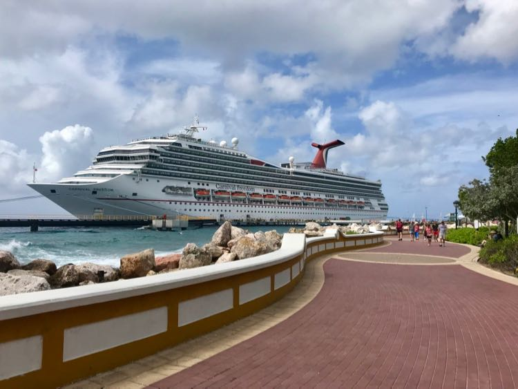 picture of large Carnival cruise ship in the Caribbean
