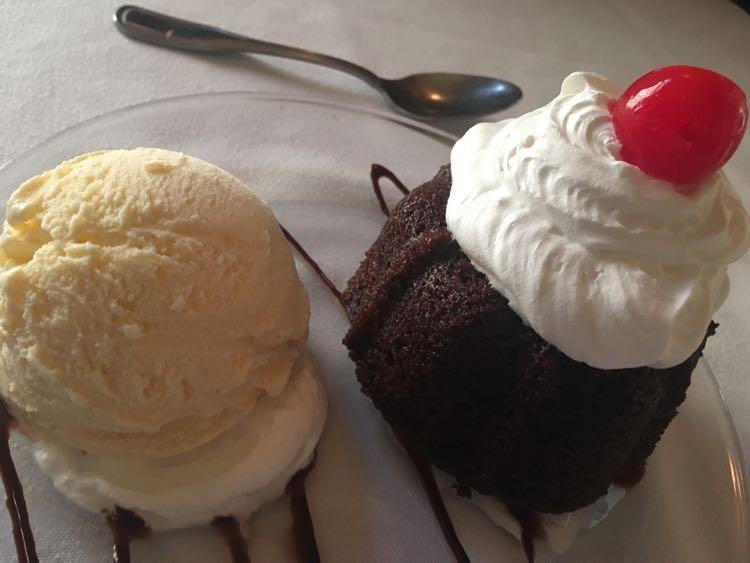 desserts at 615 Club in Beloit WI