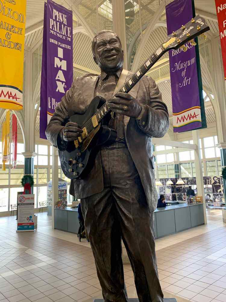 50 foot statue of BB King