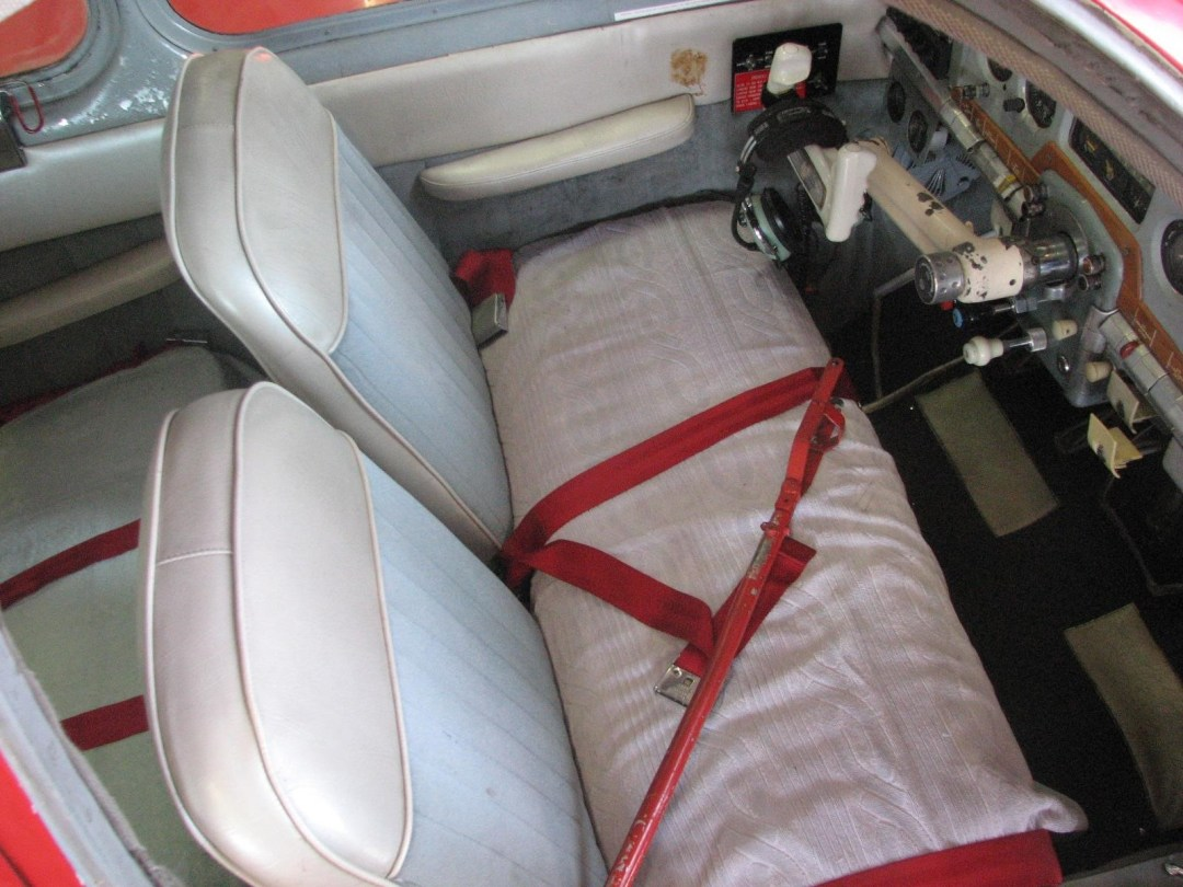 1947 BEECHCRAFT A35 BONANZA front seats view from wing