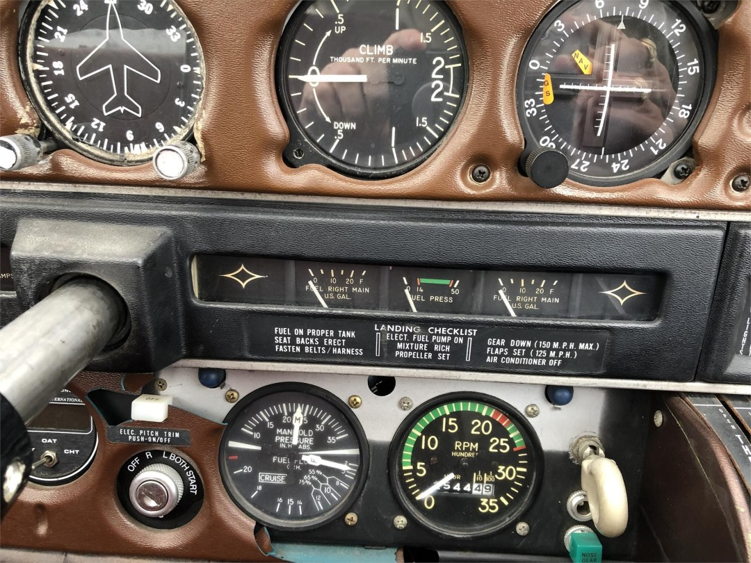1973 PIPER ARROW II altimeter and rate of climb , RPM and manifold gauges