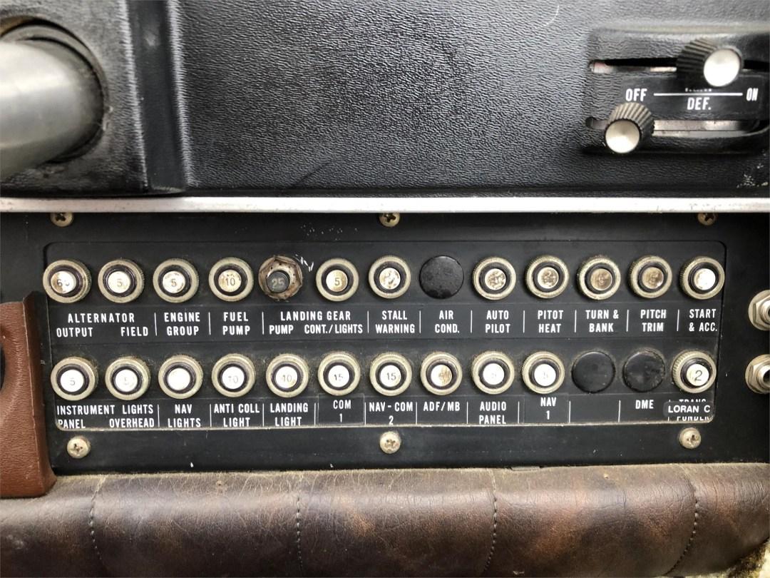1973 PIPER ARROW II circuit breaker panel co-pilot