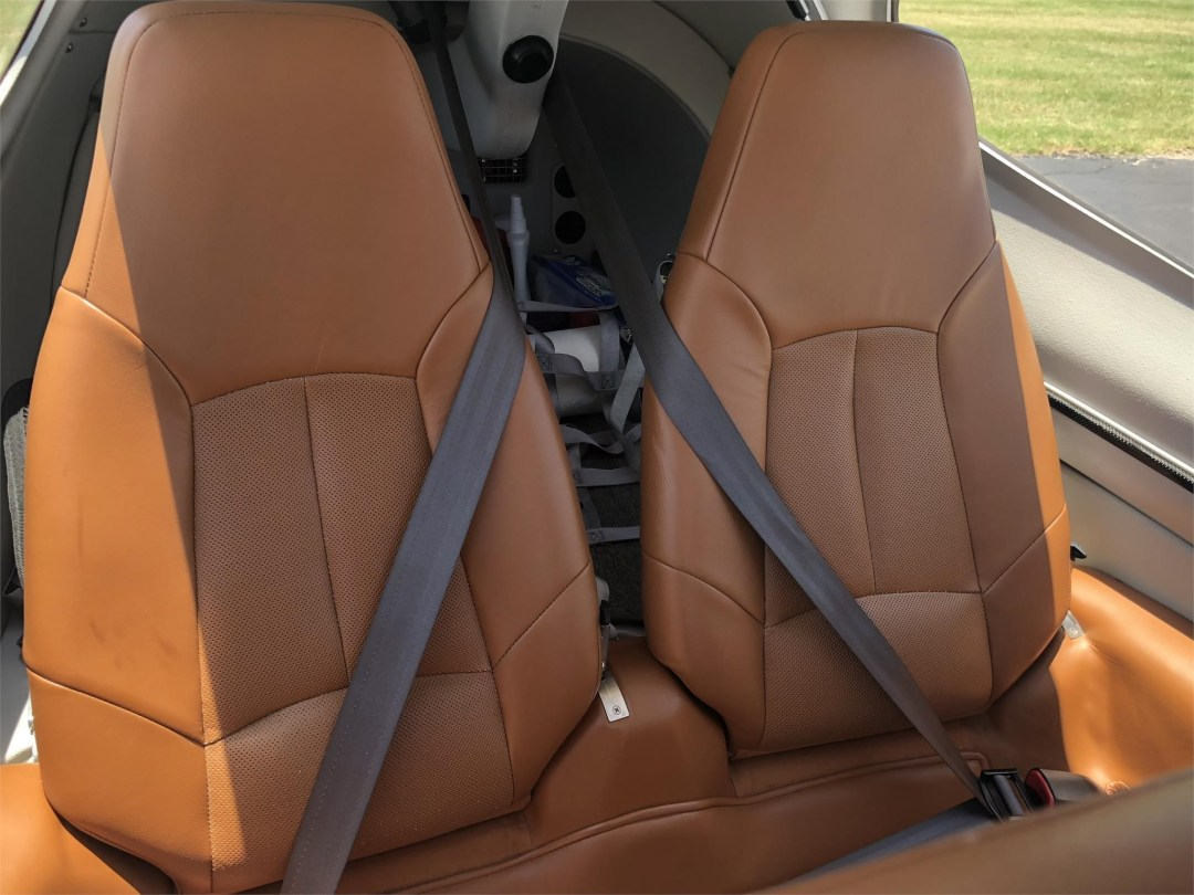 2008 DIAMOND DA40 XLS back seating brown leather