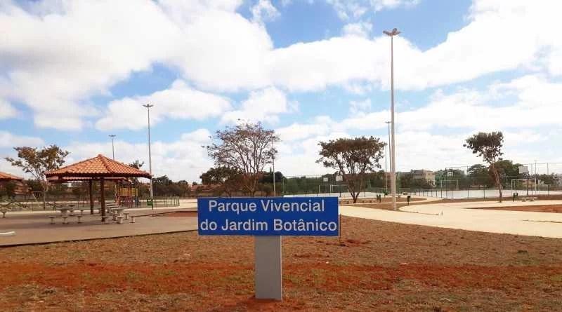 Comunidade em festa com inauguração do parque vivencial
