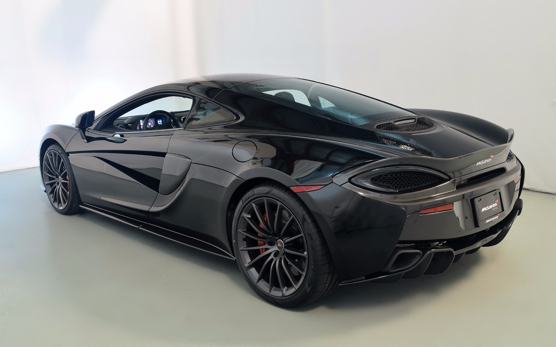 2017 MCLAREN 570GT For Sale in Norwell MA