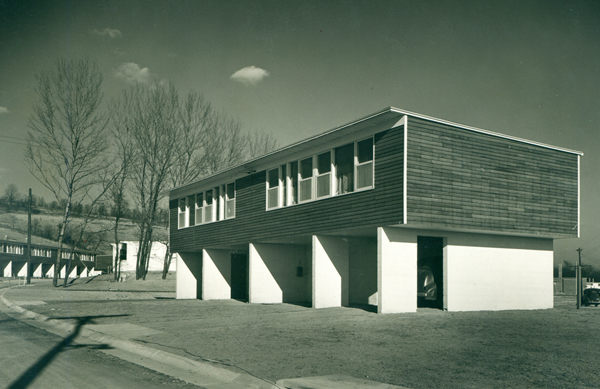 carver-court-housing-by-louis-kahn-george-howe-and-oscar-stonorov.