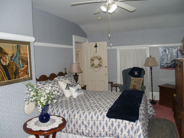 Lake Erie Cottage Room at McMullen House
