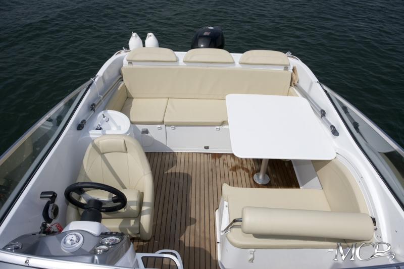 Beneteau Flyer 650 Cabrio MCP Motorboat Charter Punat