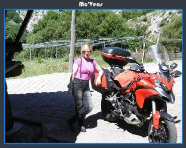 Cristina con la Ducati