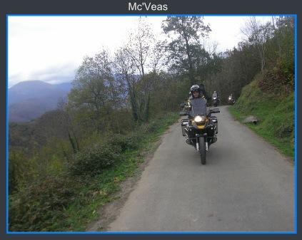 moto subiendo a la ermita del Alba