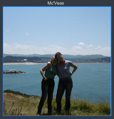 Cris y Monica en faro San Juan