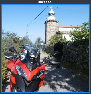 Ducati en faro de Tazones
