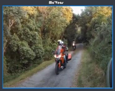 Motos llegando a San Emeterio