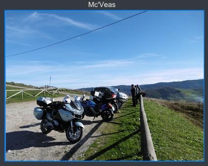 motos en aparcamiento Pico del Sol