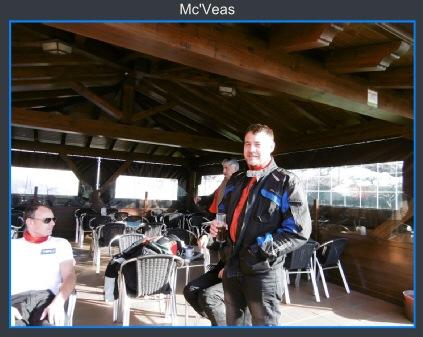 en terraza bar de Lugones