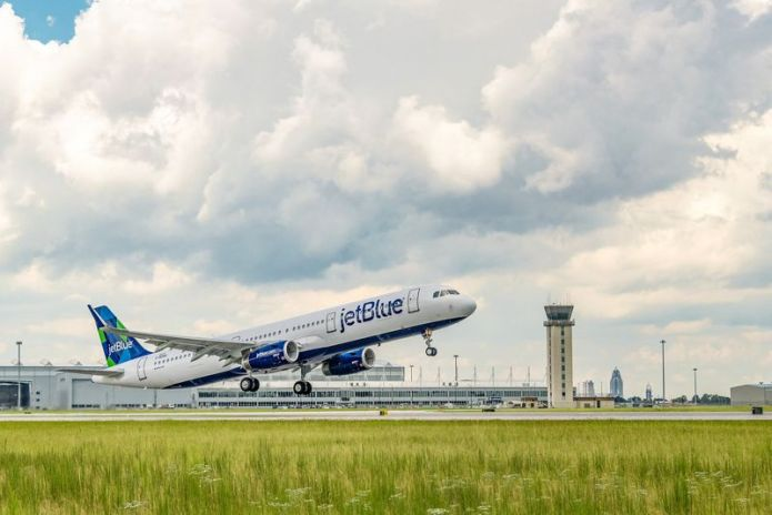 First JetBlue A321 sustainable jet fuel blend