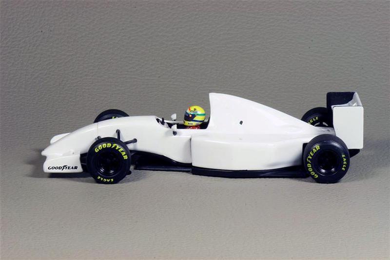 Minichamps Lamborghini F1 McLaren MP 4 8B Test Car 1993