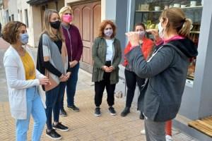 """Mujeres radicales recorrieron Chascomús y alentaron a """"Dar el paso"""""""