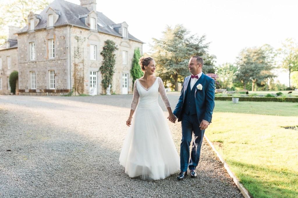 Un mariage élégant, doré et pailleté au Domaine de la Haye d'Irée (35)