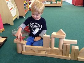 Parent and Toddler Stay and Play_Montessori _Blocks