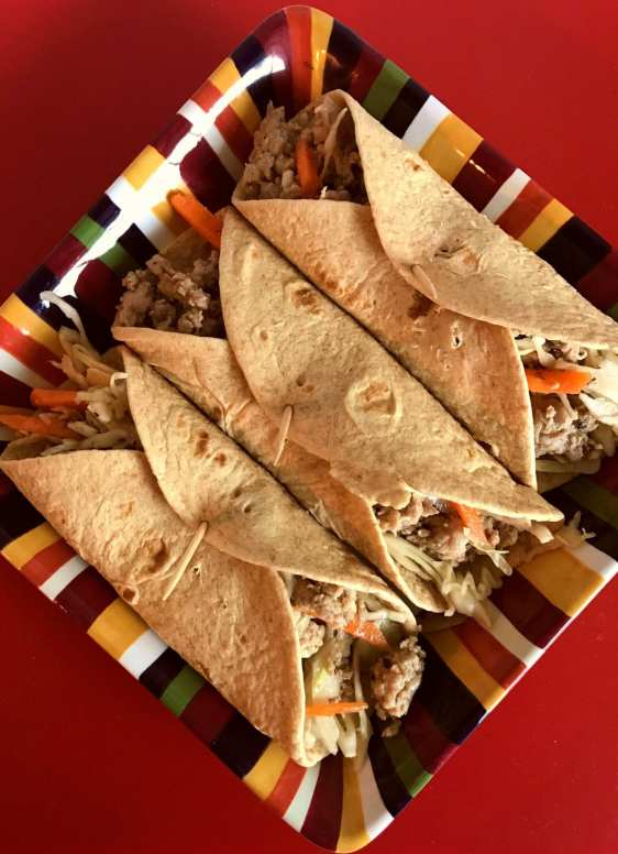 Weight Watches Friendly Turkey Coleslaw Wraps on Meal Planning Mommies