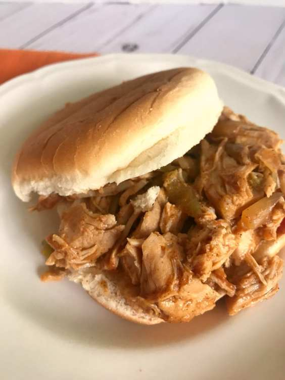 Slow Cooker Southwest Pulled Pork Sandwiches