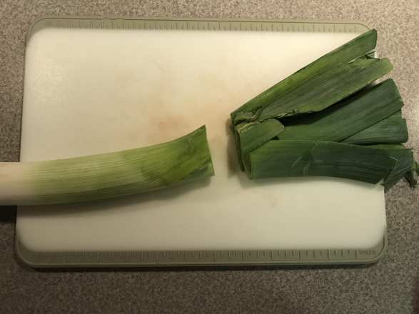 cut off the top of the leek