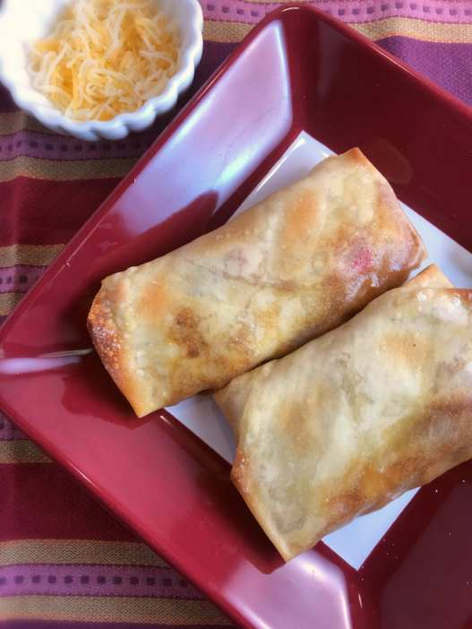 These Southwest Steak Egg Rolls are 4 WW SP each and are part of meal plan #44 on Meal Planning Mommies.