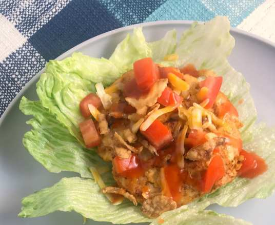 These Catalina Taco Turkey Lettuce Wraps are 6 WW SP per serving and are part of meal plan #44 on Meal Planning Mommies.