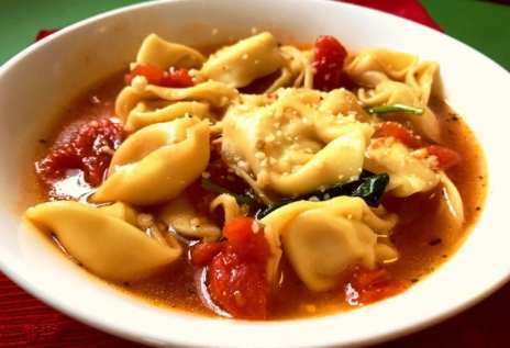 Hearty Tortellini and Chicken Soup on Meal Planning Mommies. This stuff is so good!