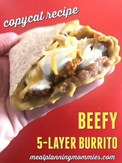 These copycat Taco Bell Beefy 5-Layer Burritos are easy to make and are just 6 WW FreeStyle SP per burrito! YUM!