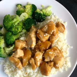 Delicious Orange Chicken with Cauliflower Rice