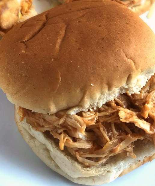 Slow Cooker shredded BBQ chicken sandwiches - Just 4 WW FreeStyle SmartPoints per sandwich!
