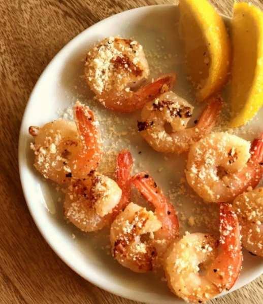 Great WW Super Bowl Party snack: Grilled Garlic Parmesan Shrimp
